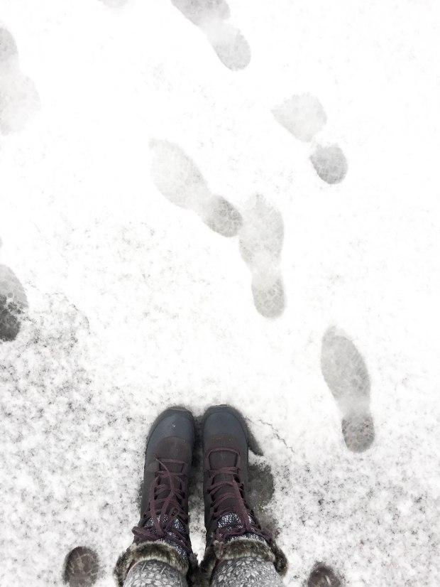 LakeTahoe_snowfootsteps